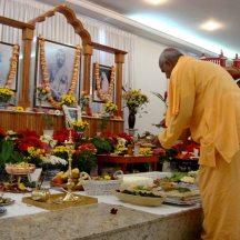 Práticas liturgicas do Hinduímo Vedanta em SP